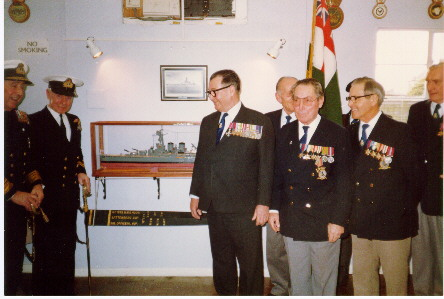 Veterans chat with the Admiral after the unveiling