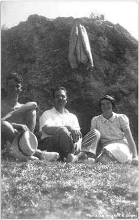 On picnic with Paymaster Commander and Mrs Cundall. Near St Paul's Bay