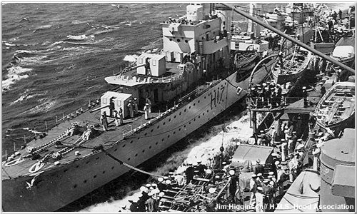 Hood oiling a destroyer
