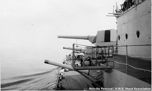 The forward guns aim to port