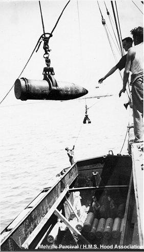 Ammunitioning ship